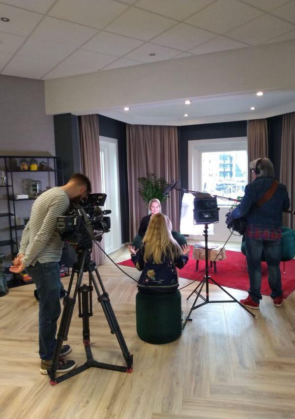 De twijfelmoeder: van Boekenbal tot RTL Boulevard 1