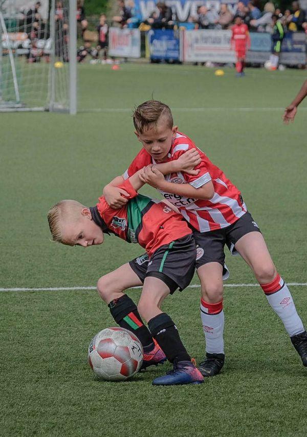 'Stiekem ben ik ook voor Ajax' 4