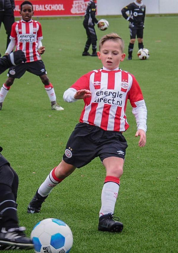 'Stiekem ben ik ook voor Ajax' 6