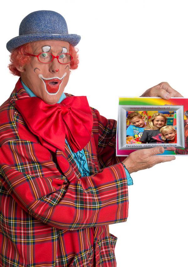 Clown Kwibus hangt zijn pak aan de wilgen 5