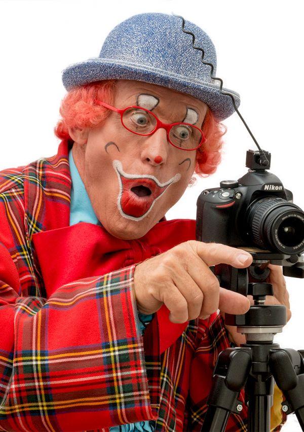 Clown Kwibus hangt zijn pak aan de wilgen 6