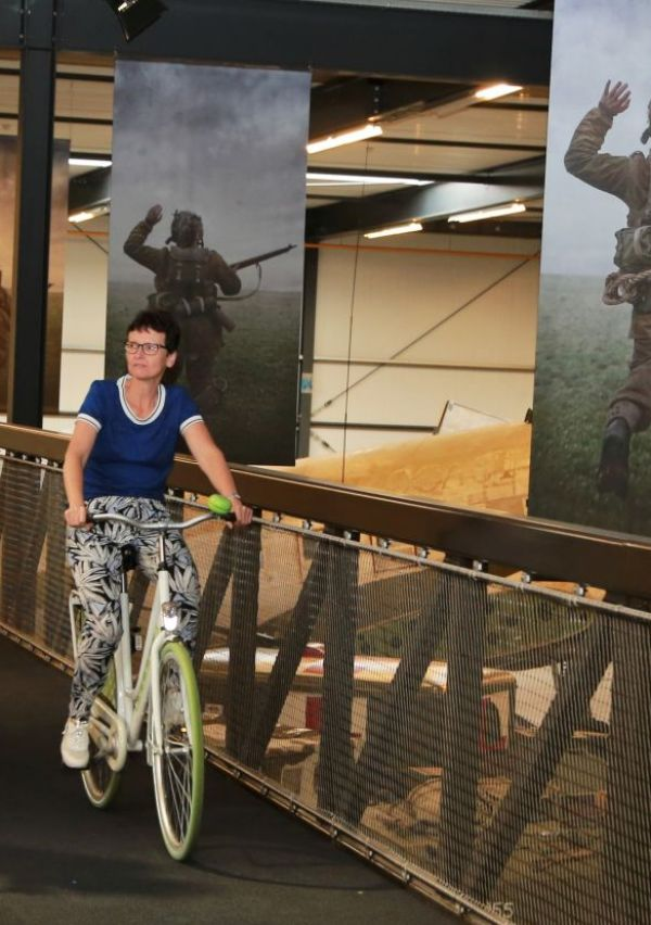Het Oorlogsmuseum heeft een fietsbrug 4