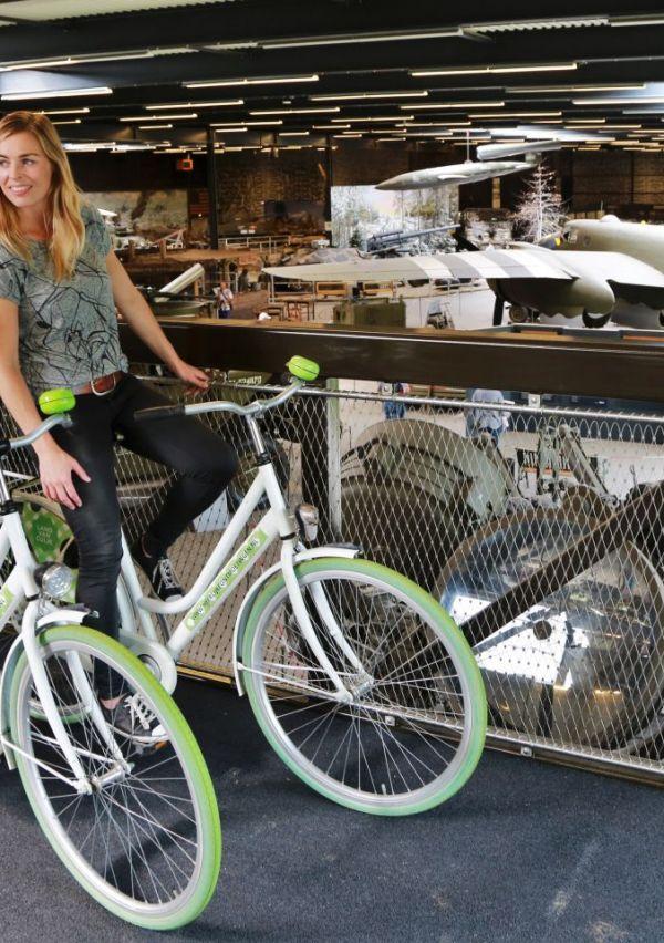 Het Oorlogsmuseum heeft een fietsbrug 7