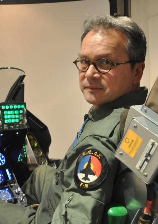 Felix Gayet bouwde zijn eigen F-16